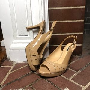 22f0954b5007 Alex Marie Shiny Platform Heels Size 8